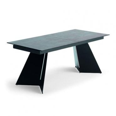 Noa Dining Table